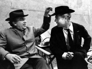 """Fellini e Mastroianni sul set di """"Otto e mezzo"""""""